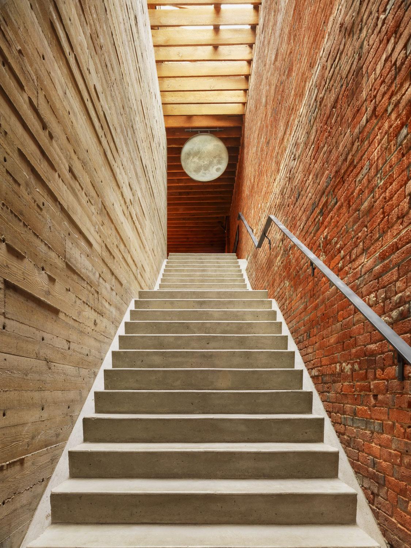 46 Water Street Heritage Building / Omer Arbel (8)