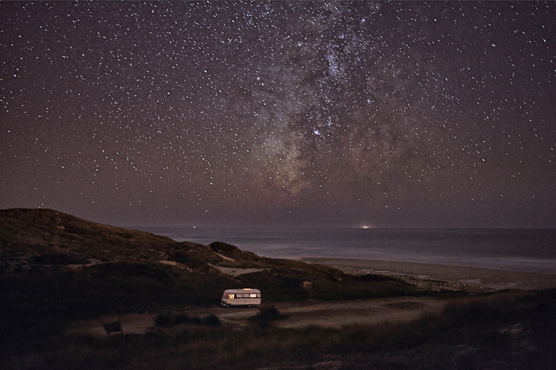 A Van in the Sea / Alessandro Puccinelli (9)