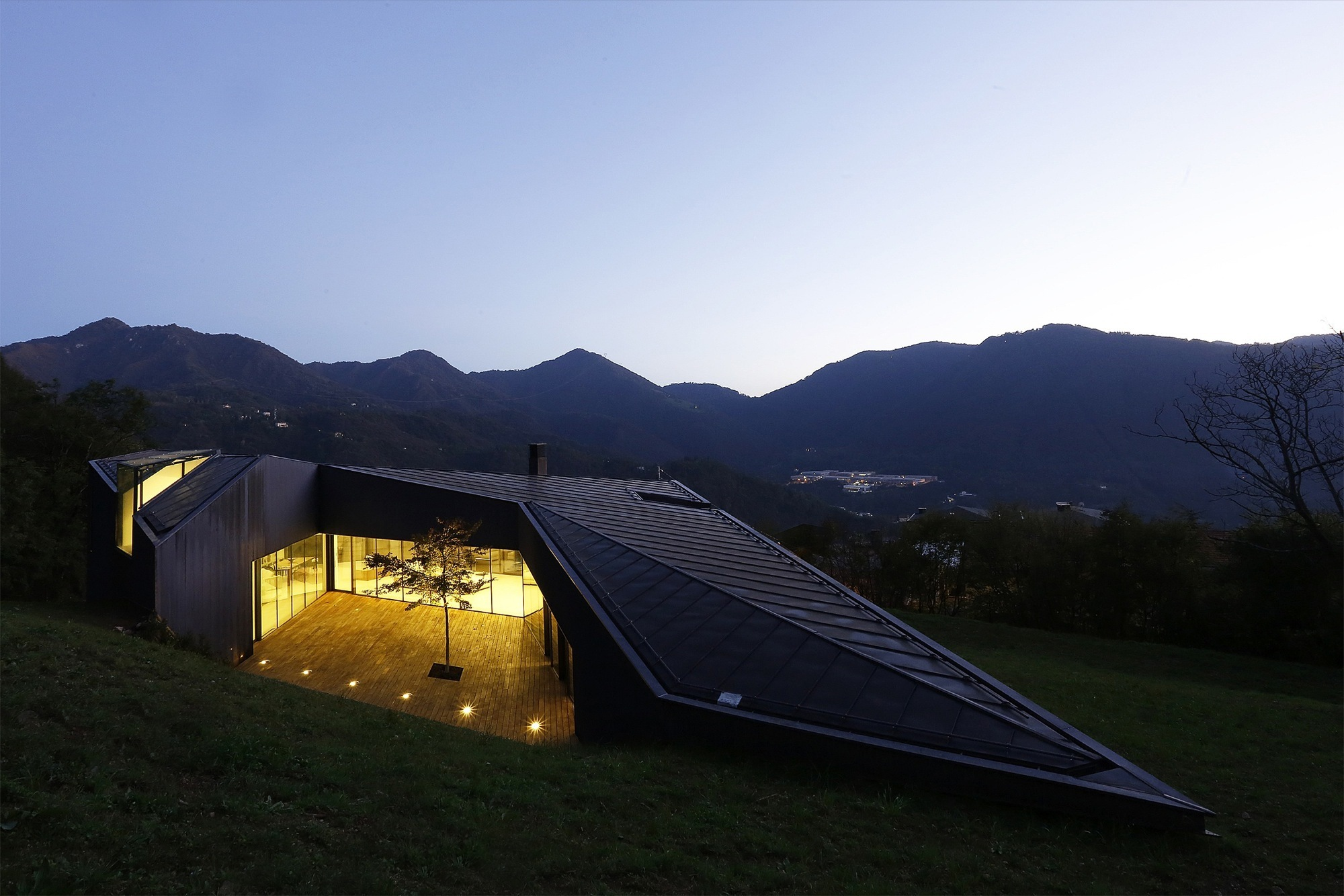 Alps Villa / Camillo Botticini (9)
