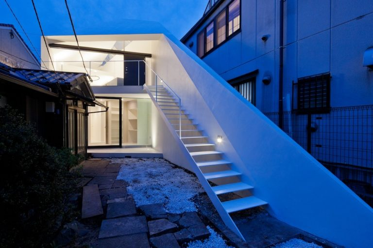 Arrow / Apollo Architects & Associates