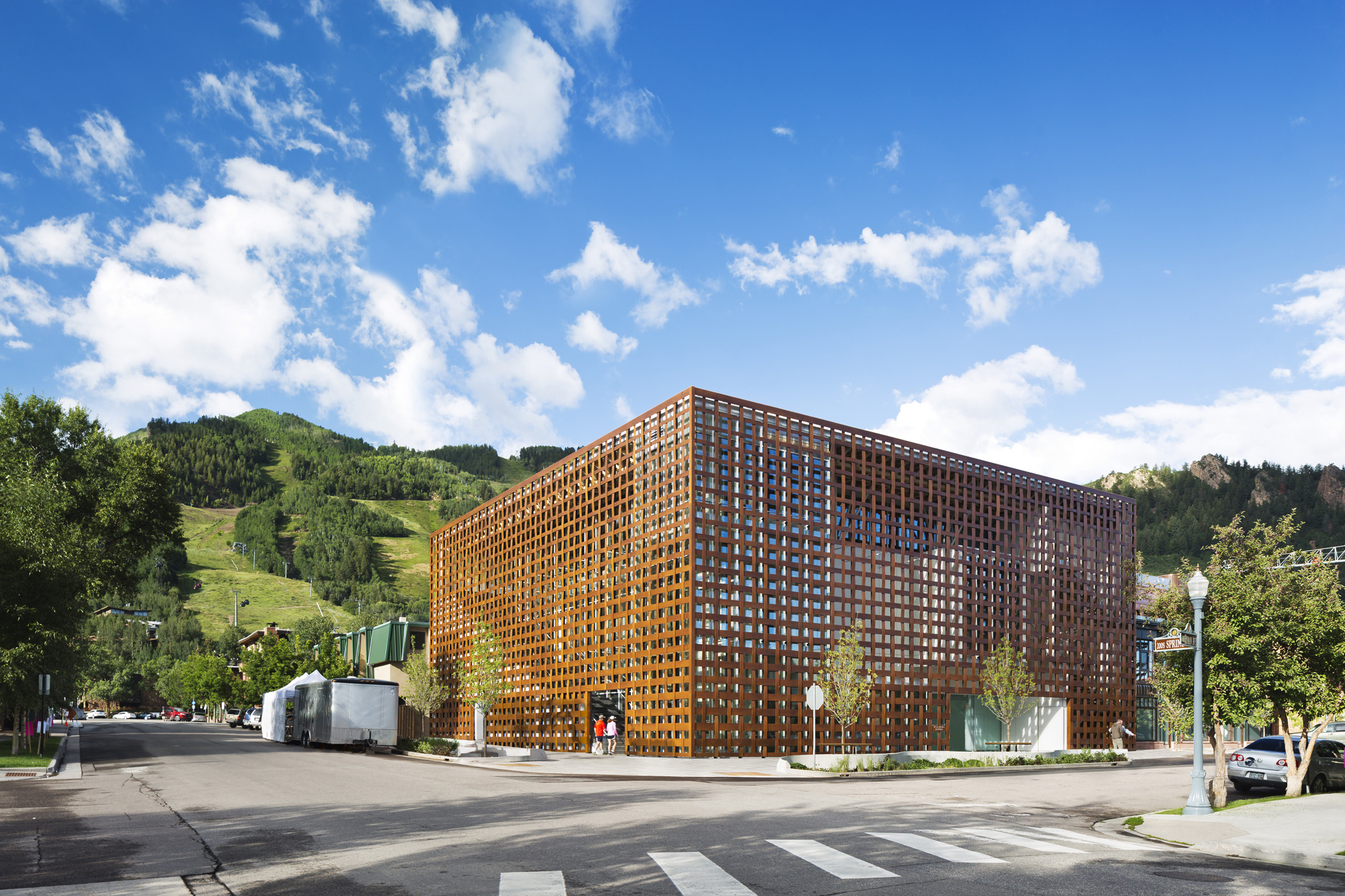 Aspen Art Museum / Shigeru Ban Architects (34)