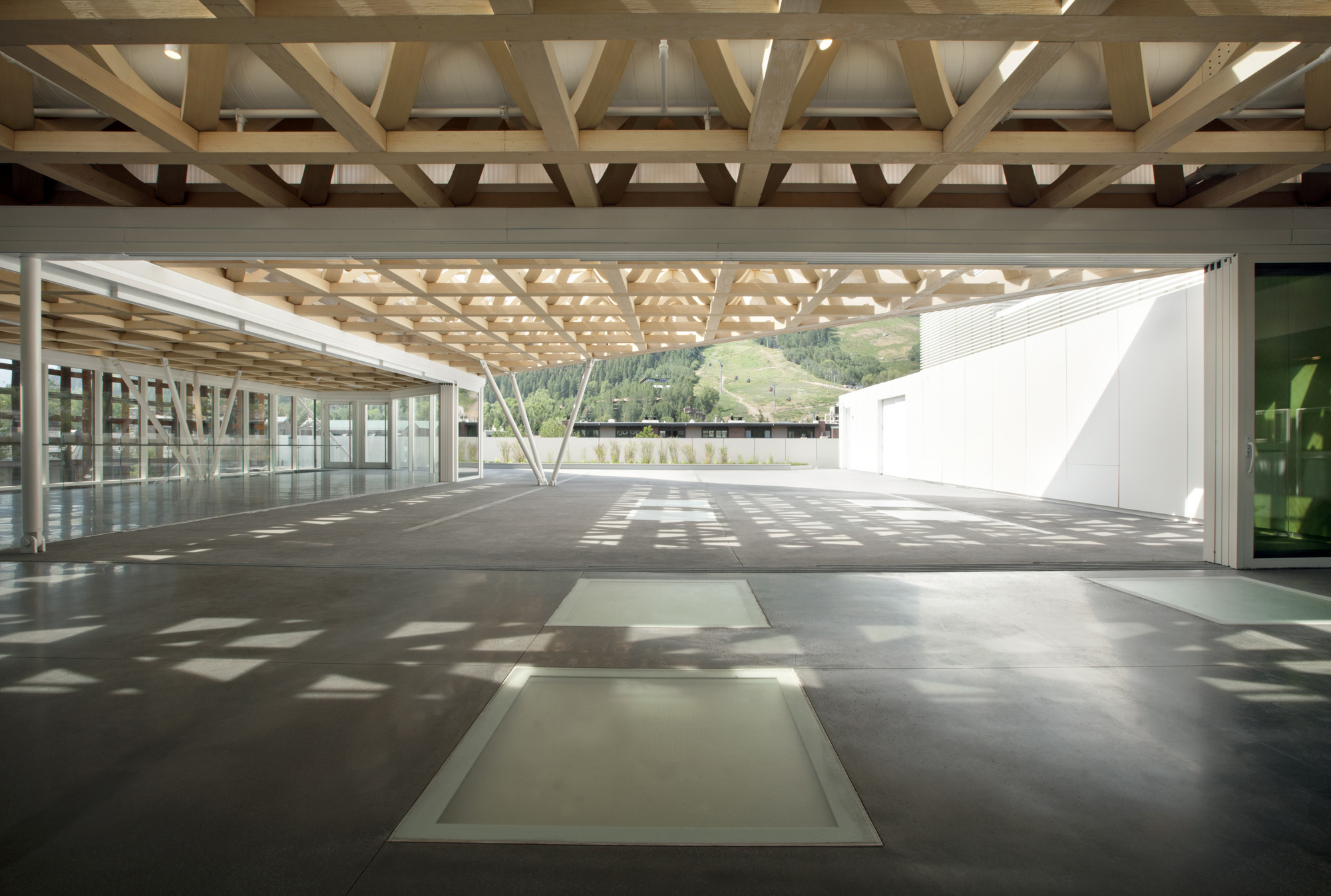 Aspen Art Museum / Shigeru Ban Architects (14)