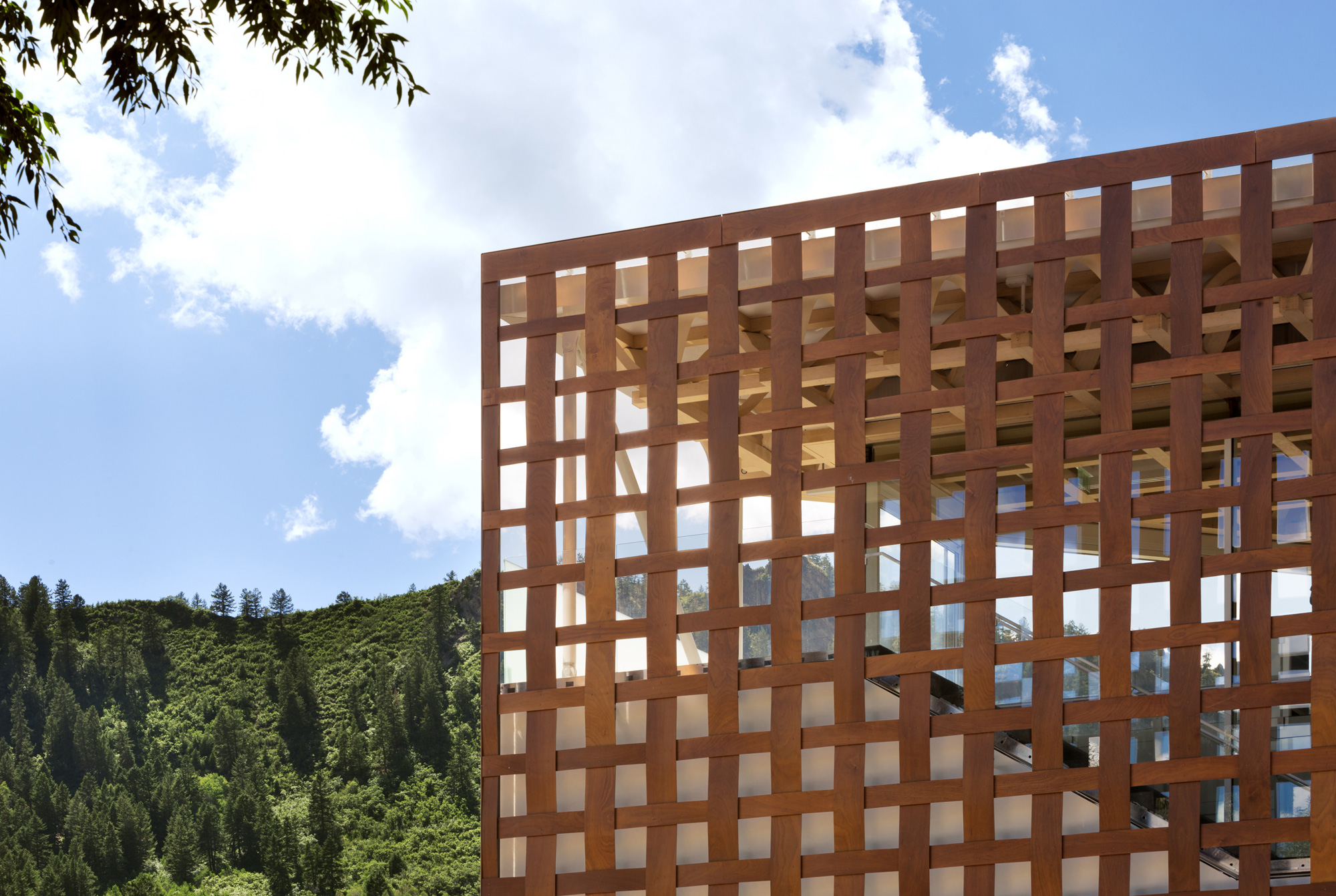 Aspen Art Museum / Shigeru Ban Architects (32)