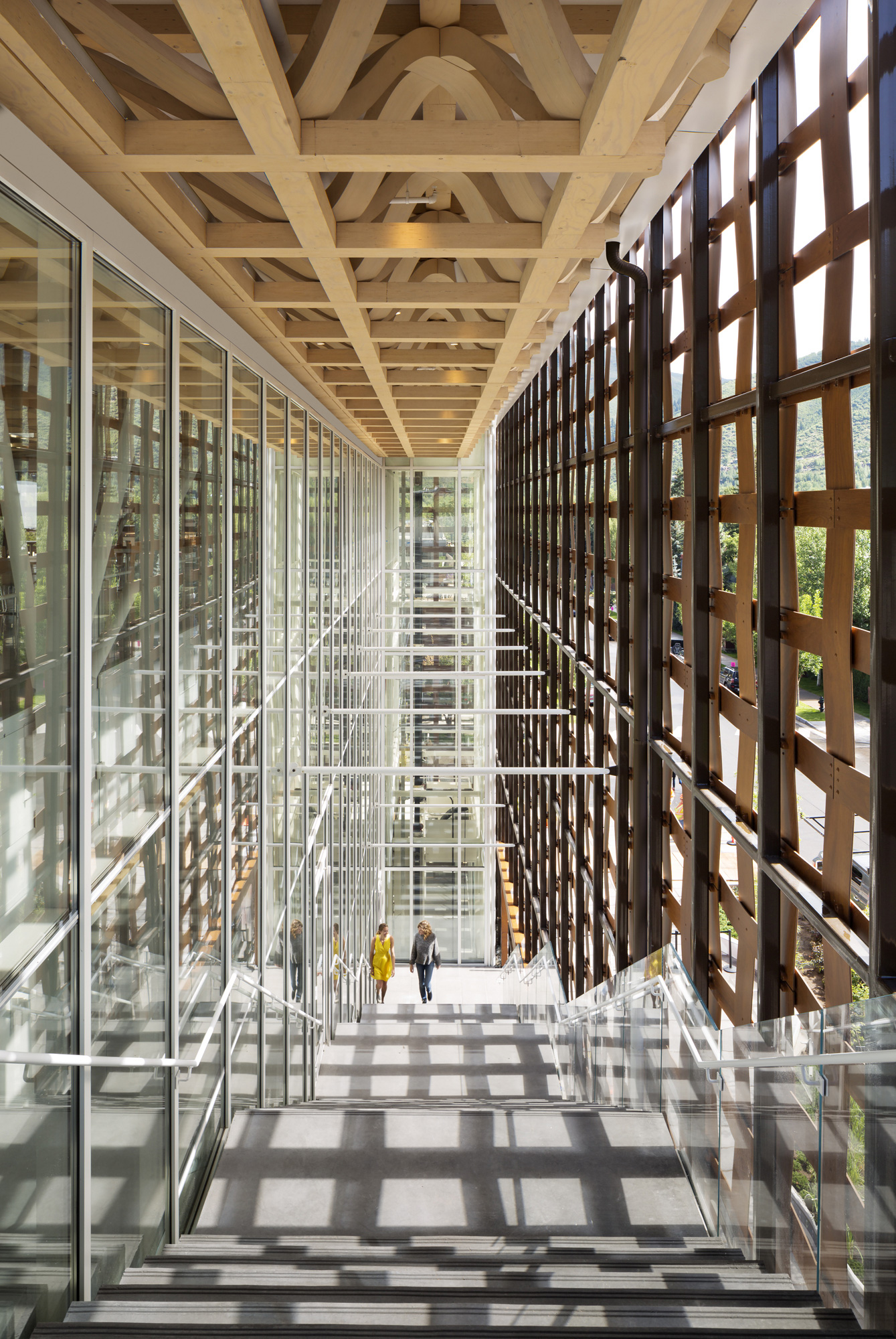 Aspen Art Museum / Shigeru Ban Architects (30)