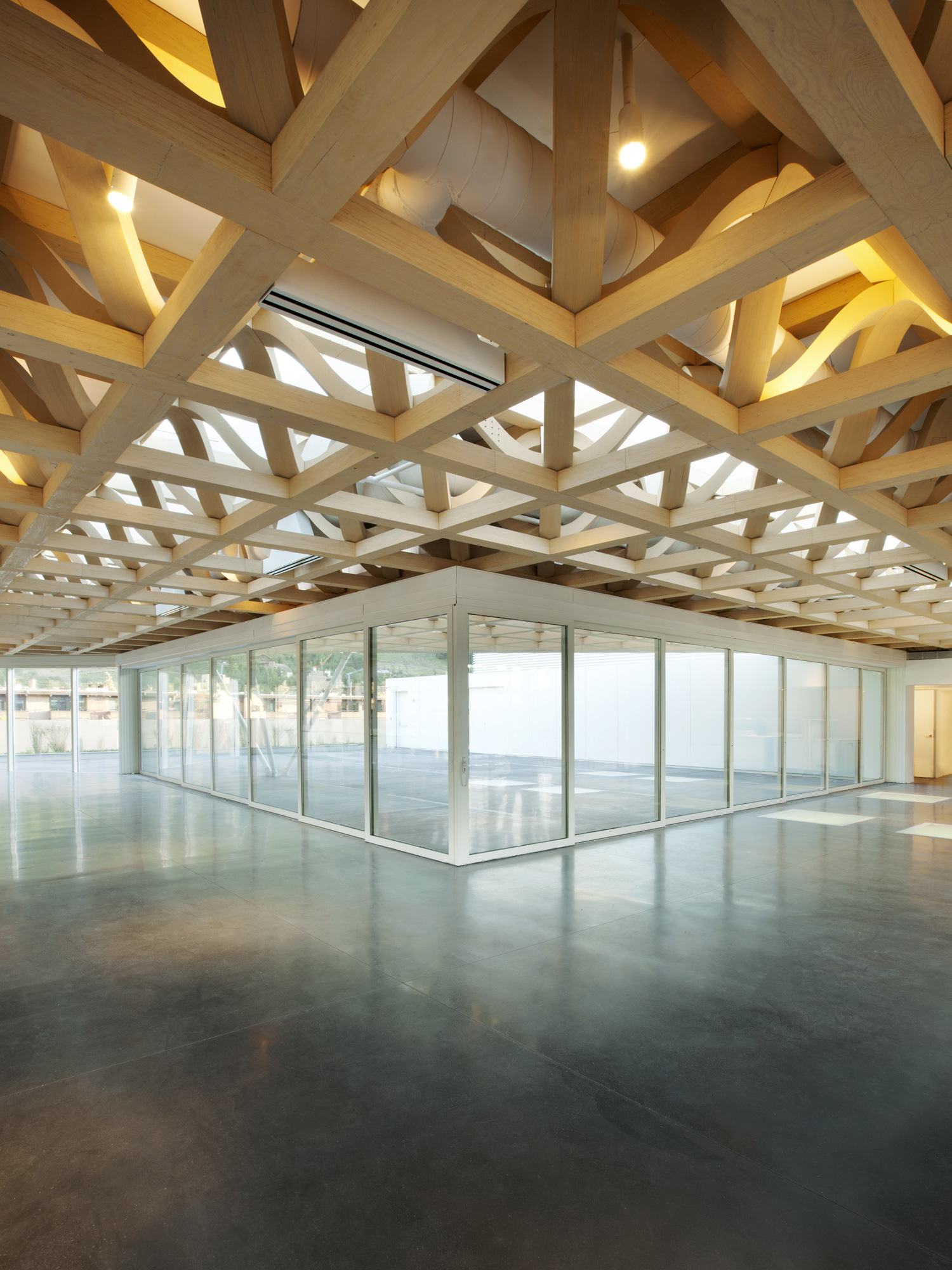 Aspen Art Museum / Shigeru Ban Architects (29)