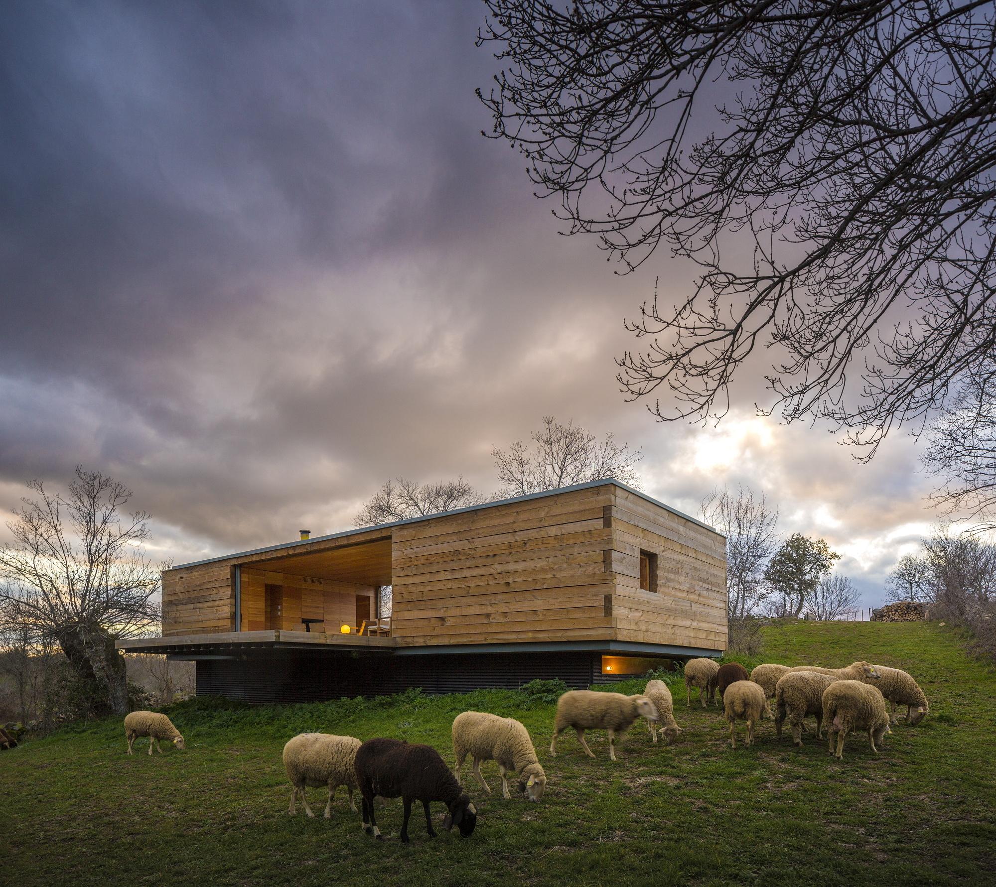 B House - CH+QS Arquitectos