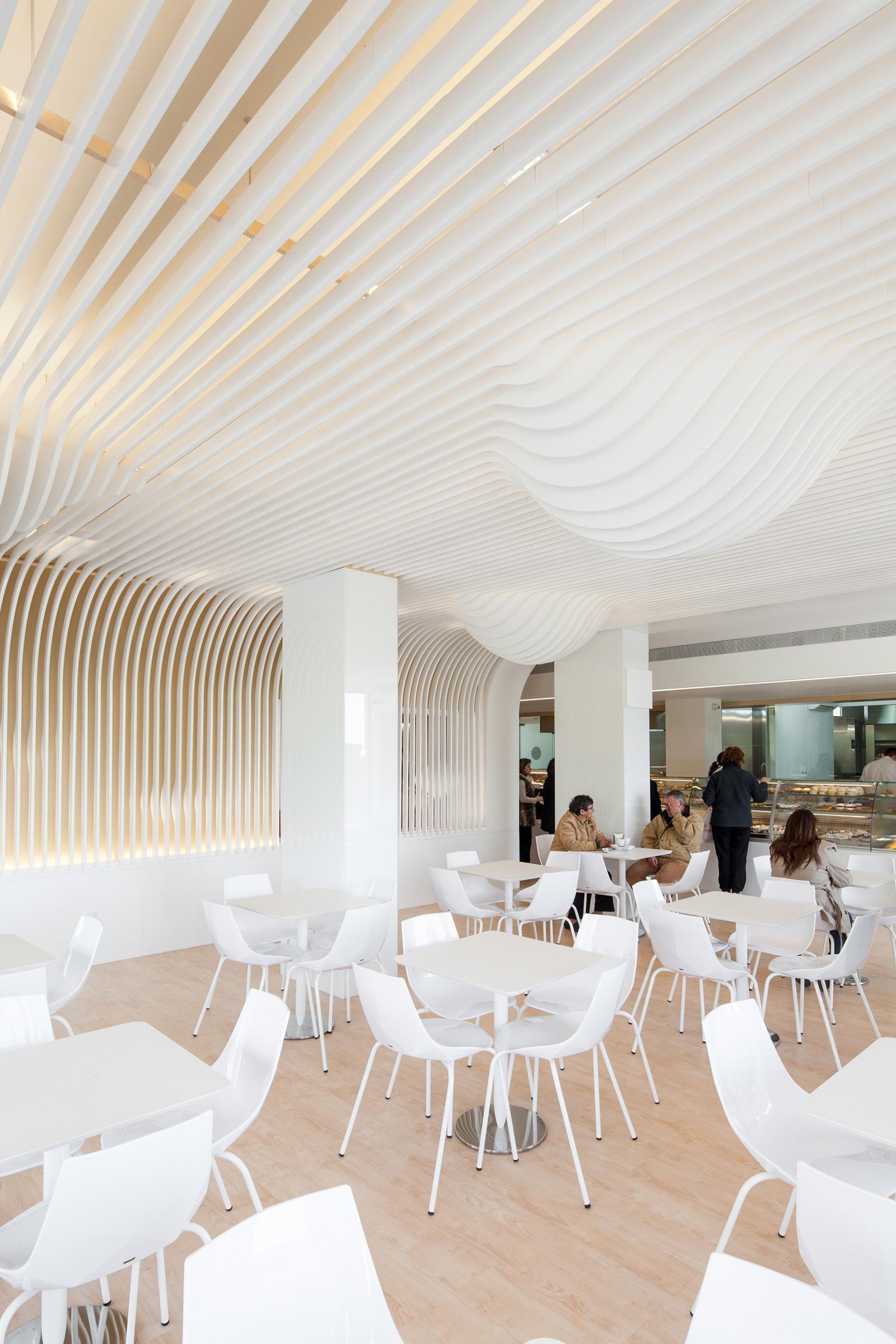 Bakery In Oporto / Paulo Merlini