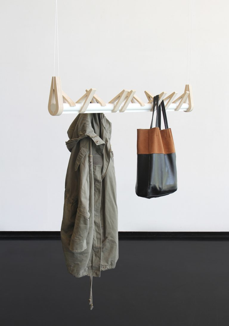 Bird in a Row / Christine Herold & Katharina Ganz