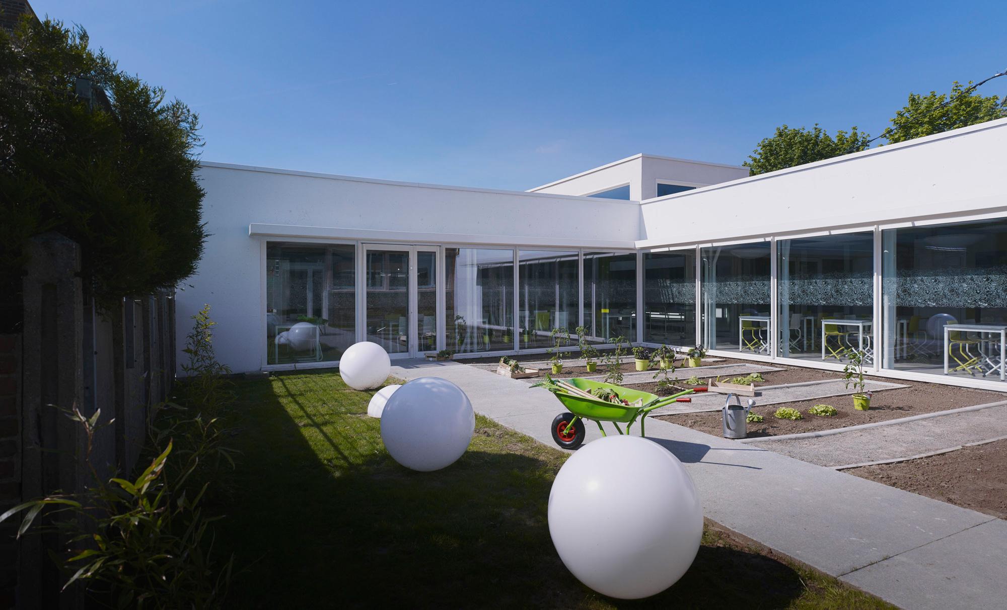 Cantine BOA / D'houndt + Bajart - Architectes & Associés (12)