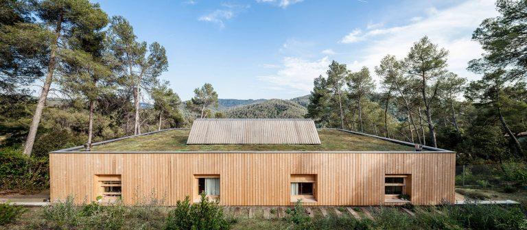Casa LLP / Alventosa Morell