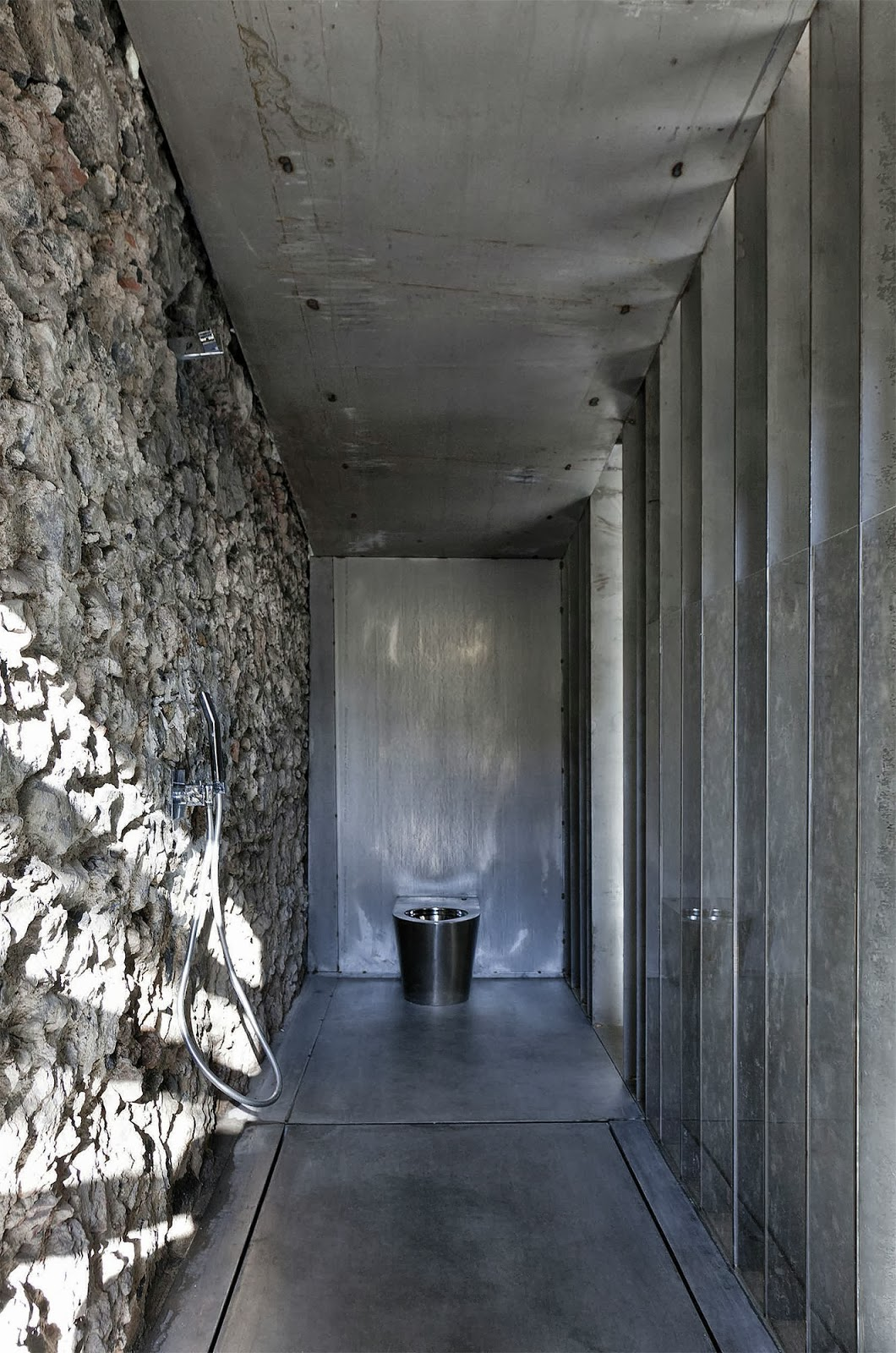 Casa Entremuros / RCR Arquitectes