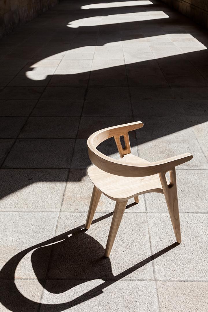 Chair Walls / Domohomo (1)