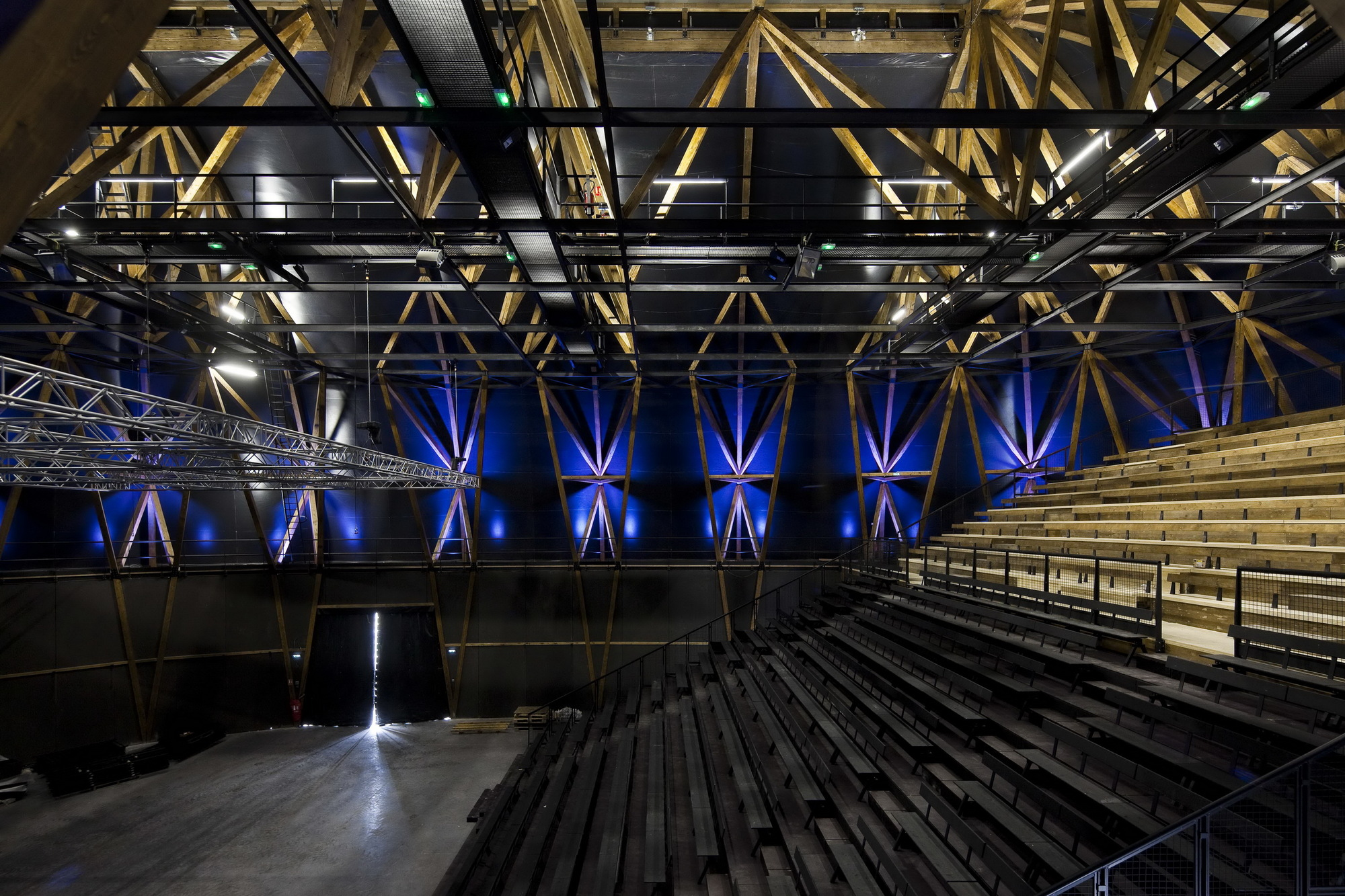 Circus Arts Conservatory / Adh Architects (11)