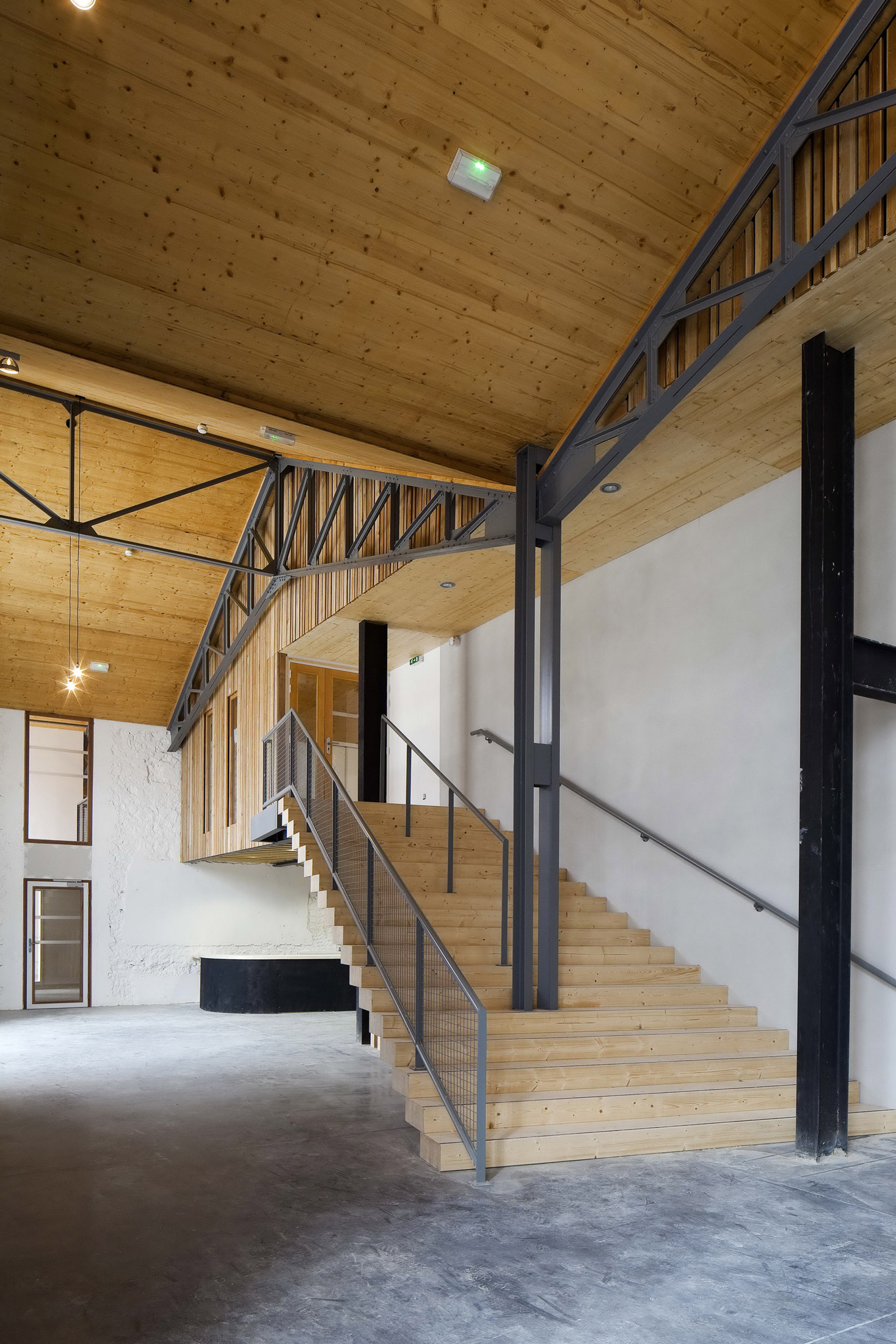 Circus Arts Conservatory / Adh Architects (16)