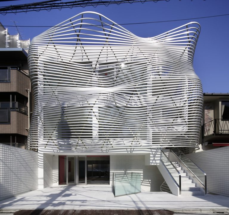 Dear Jingumae Building / Amano design office