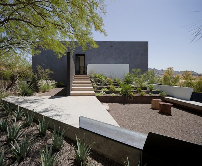 Dialogue House / Wendell Burnette Architects