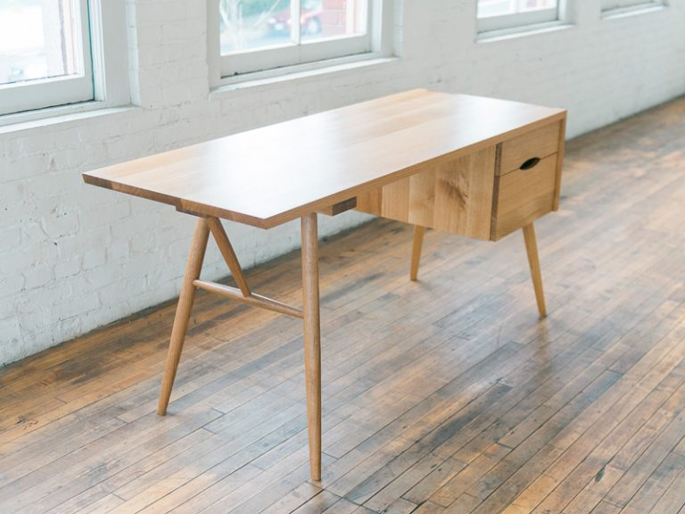 Emmet Desk / Phloem Studio