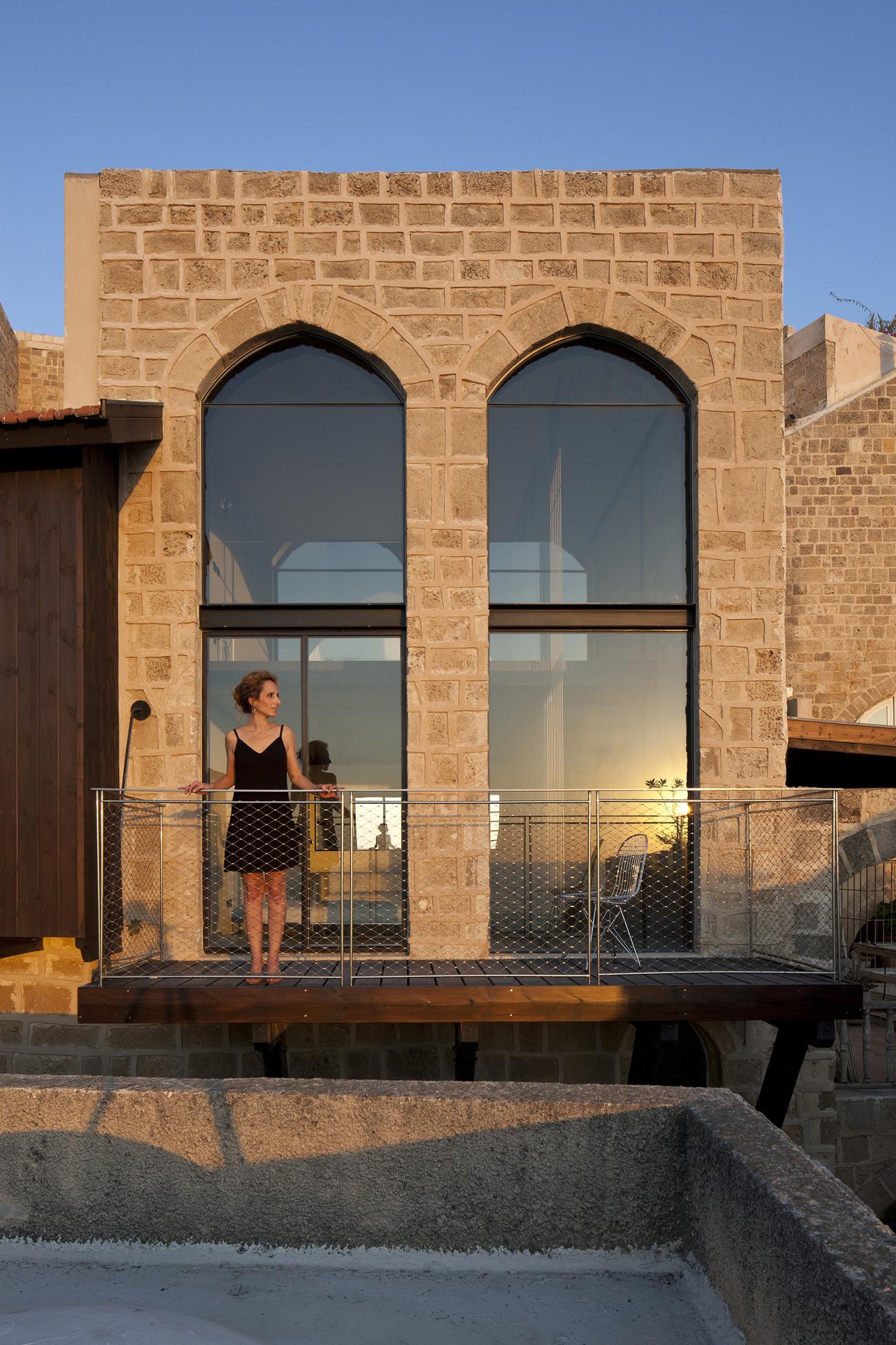 Factory-Jaffa-House-Pitsou-Kedem-Architects-27.jpg