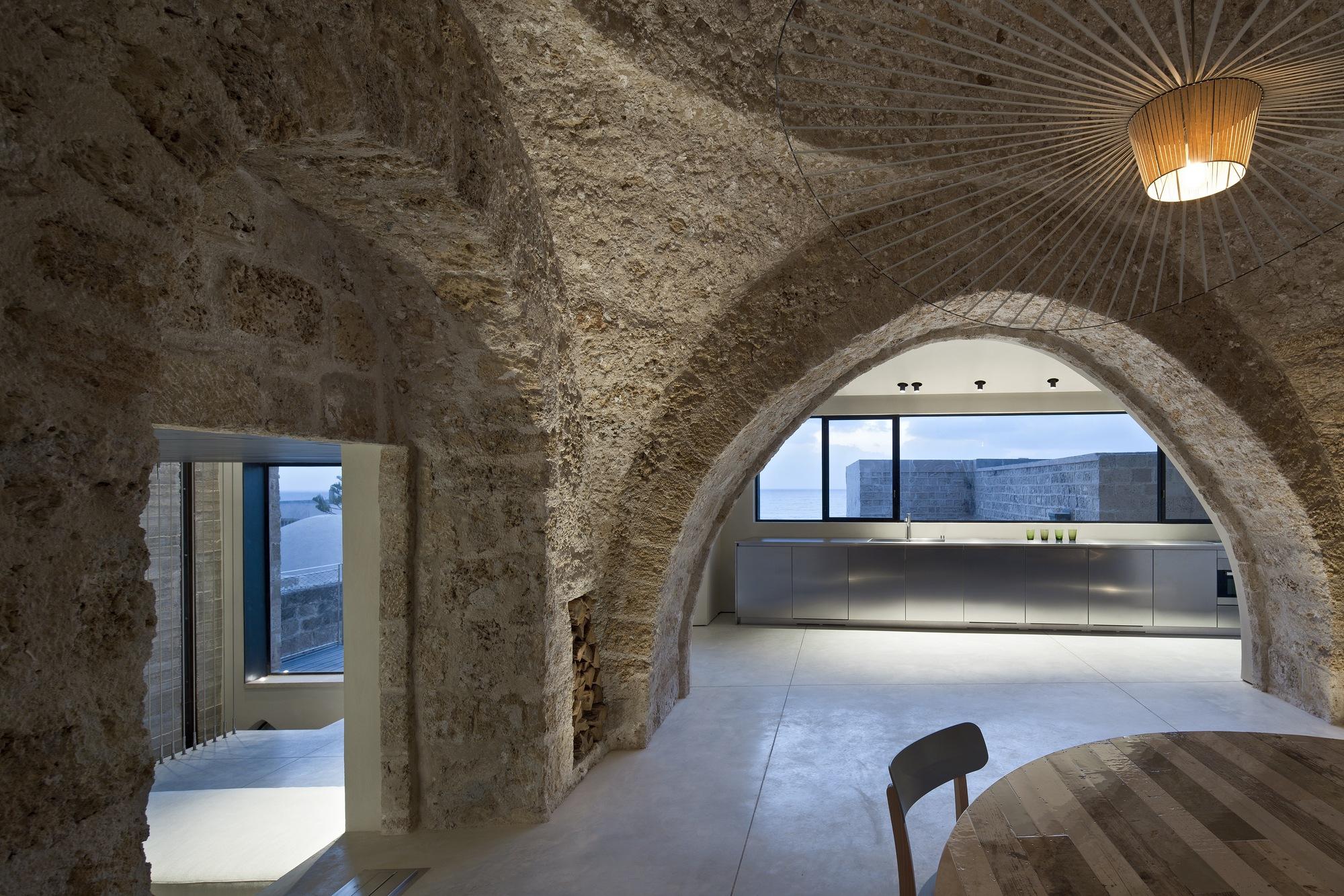 Factory Jaffa House / Pitsou Kedem Architects (10)
