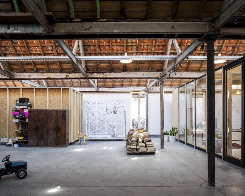 Factory Life / Julie D'Aubioul