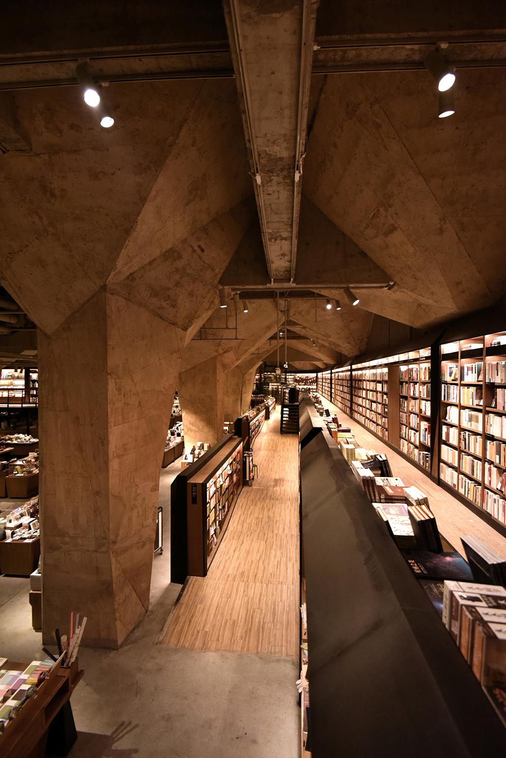 Fangsuo Book Store in Chengdu / Chu Chih-Kang (10)