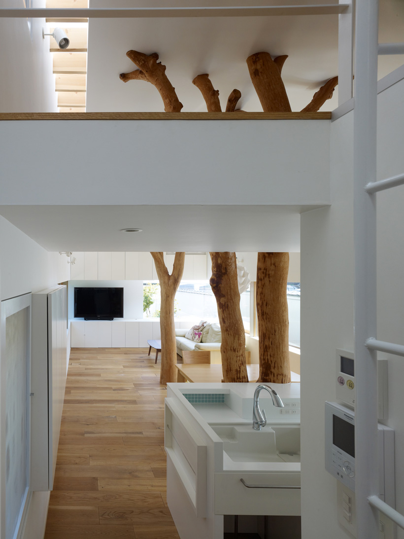 Garden Tree House / Hironaka Ogawa & Associates