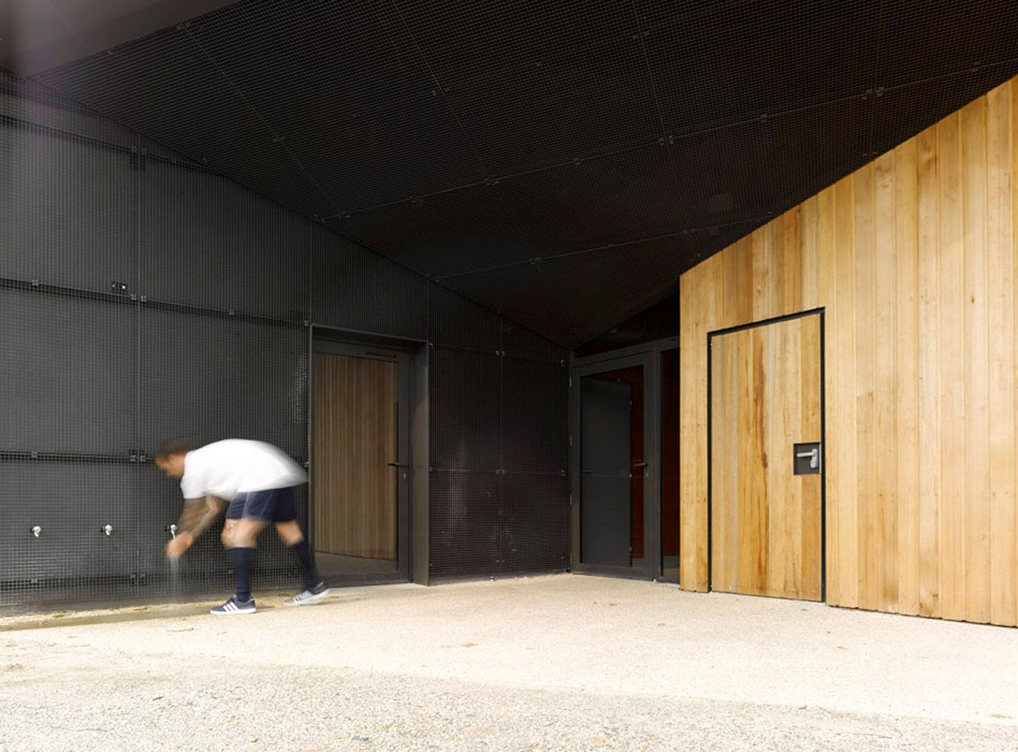 Hidden-Locker-Rooms-MU-Architecture-Ateliers-Les-Particules-8.jpg