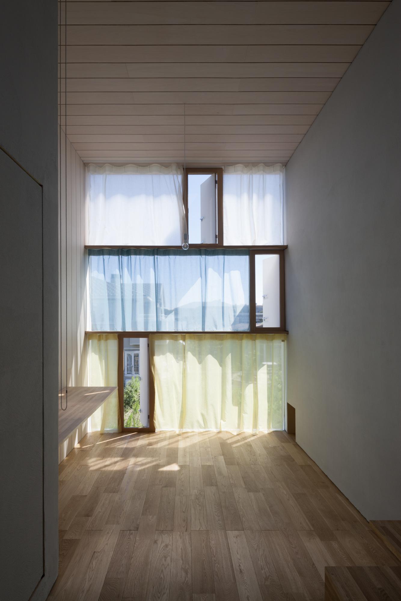 House Passage of Landscape / Ihrmk (7)