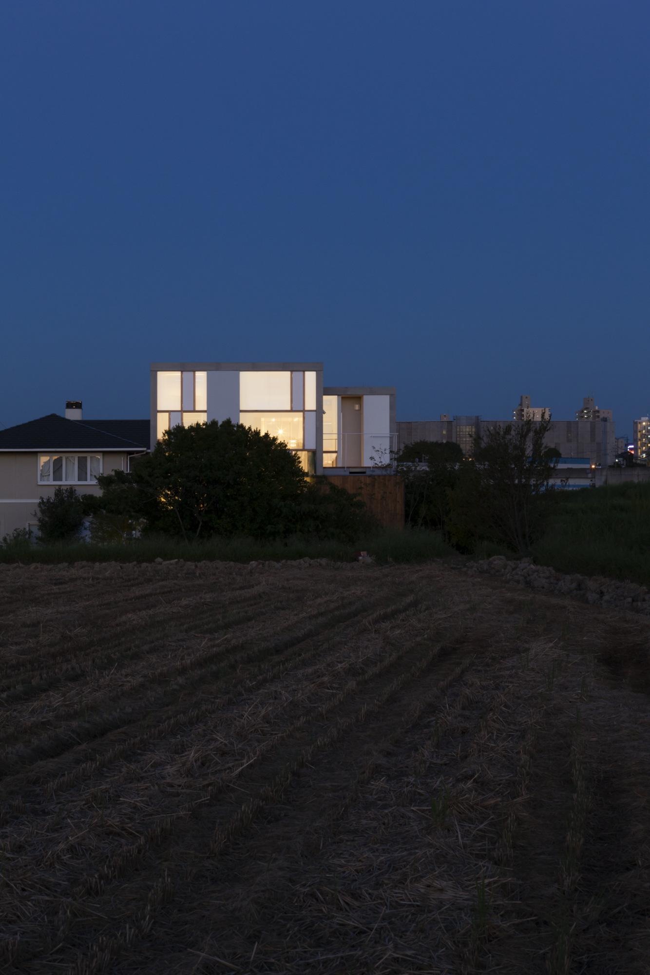 House Passage of Landscape / Ihrmk (5)