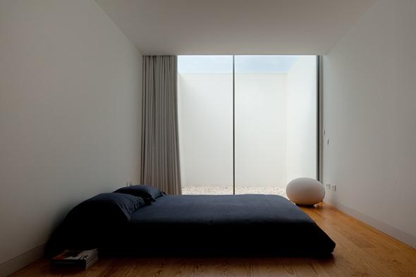 House_in_Leiria_Aires_Mateus_08