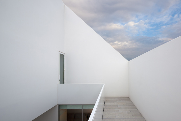 House_in_Leiria_Aires_Mateus_10
