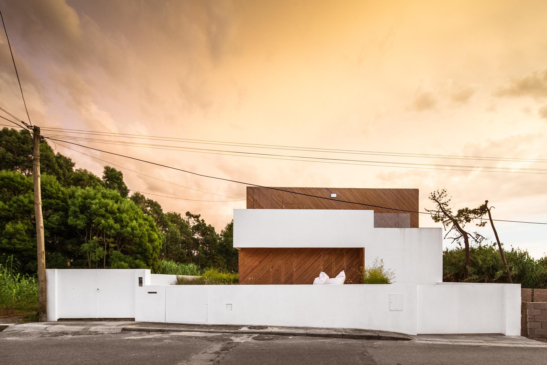 SilverWoodHouse / Ernesto Pereira (1)