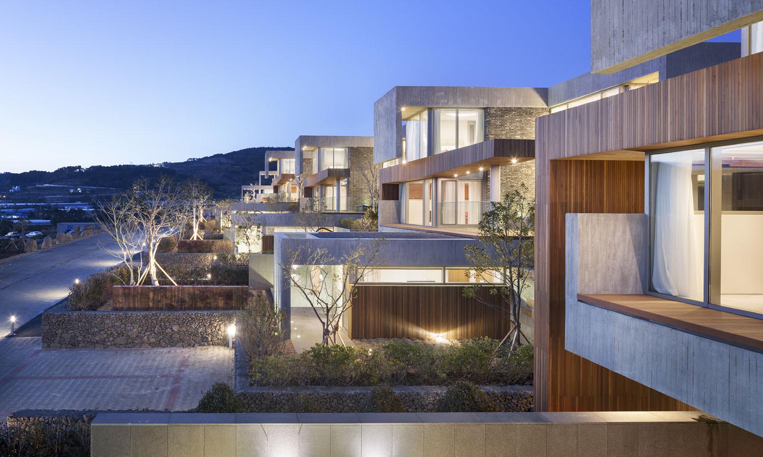 Jeju Bayhill Pool & Villa / Kim Dong-jin + L'eau Design (7)