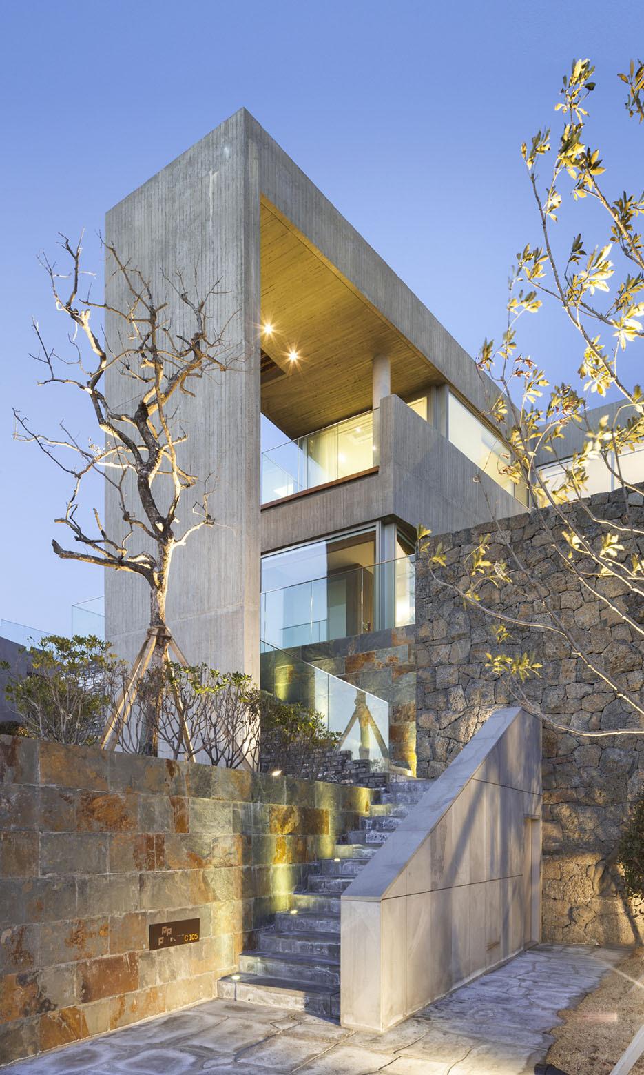 Jeju Bayhill Pool & Villa / Kim Dong-jin + L'eau Design (16)