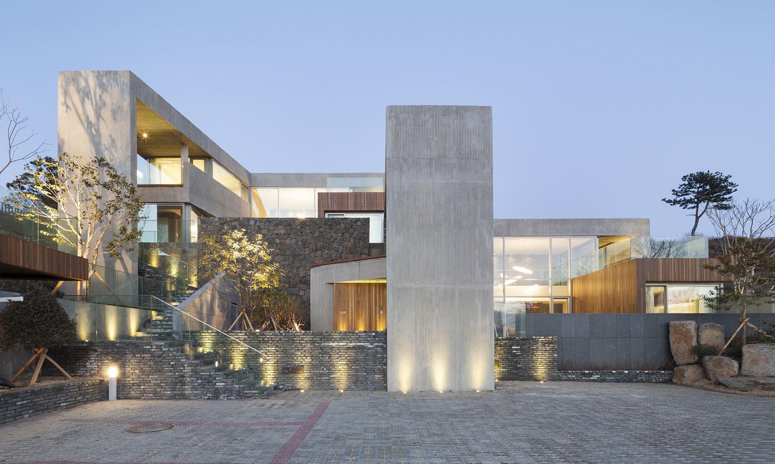 Jeju Bayhill Pool & Villa / Kim Dong-jin + L'eau Design (14)