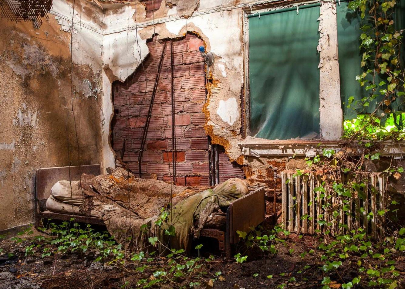 Asylums / Jeremy Harris (12)