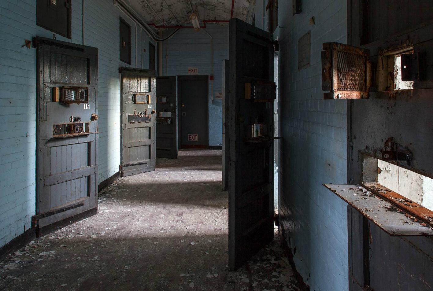 Asylums / Jeremy Harris (11)