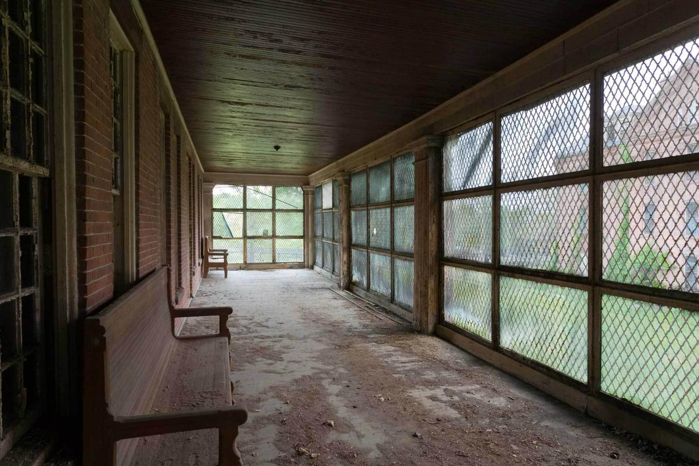 Asylums / Jeremy Harris (8)