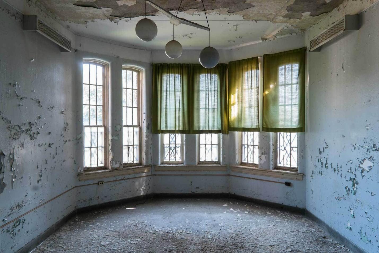 Asylums / Jeremy Harris (7)