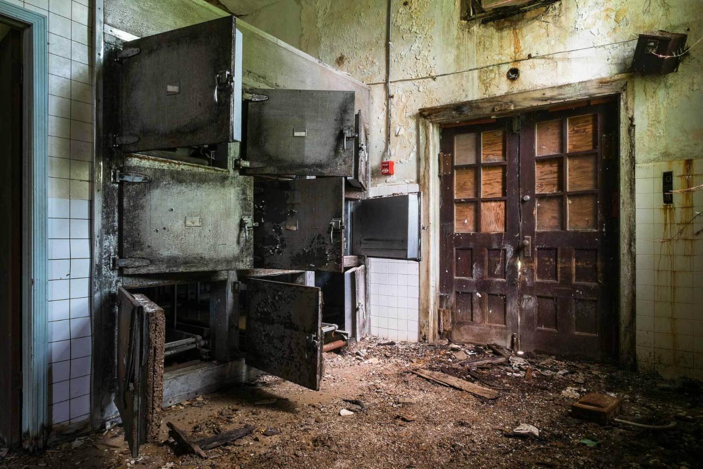 Asylums / Jeremy Harris (4)