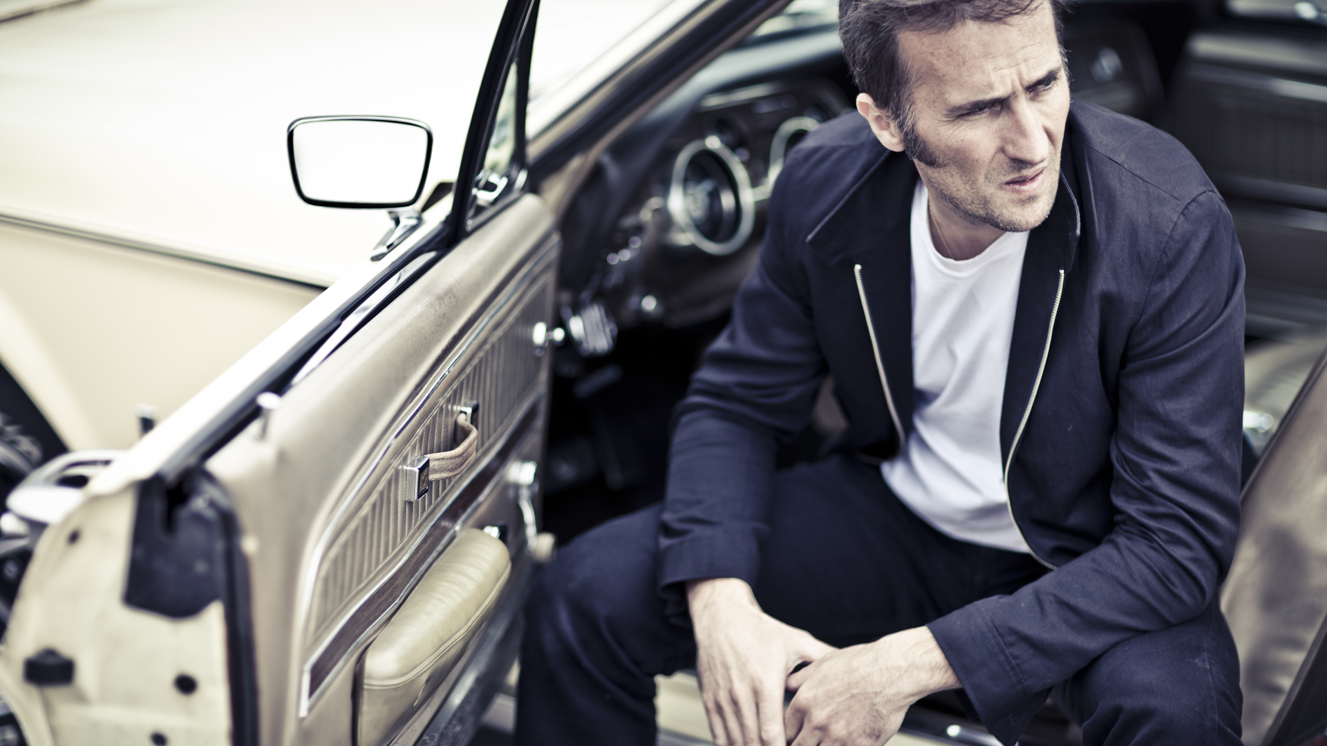 Pascal & his Ford Mustang / Laurent Nivalle (11)