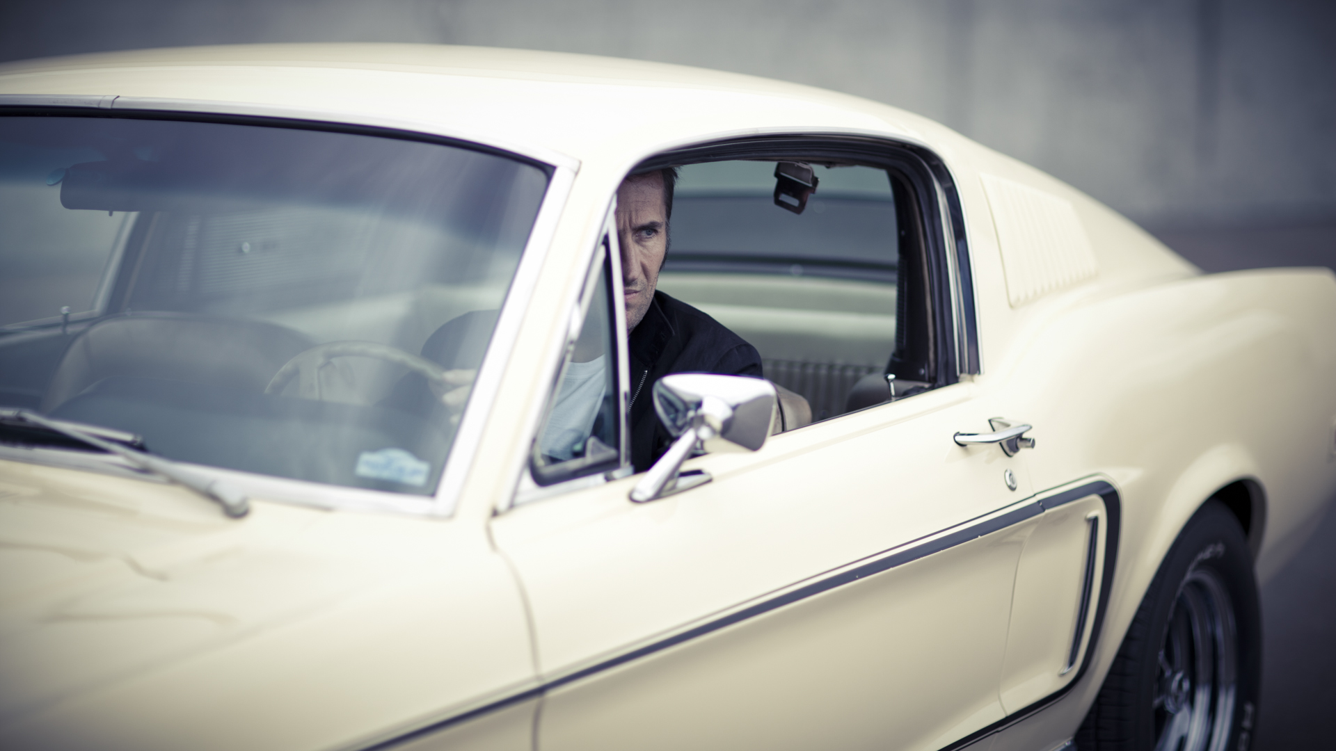 Pascal & his Ford Mustang / Laurent Nivalle (7)