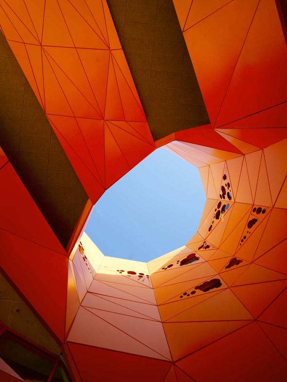 Le-cube-Jakob-Macfarlane-11
