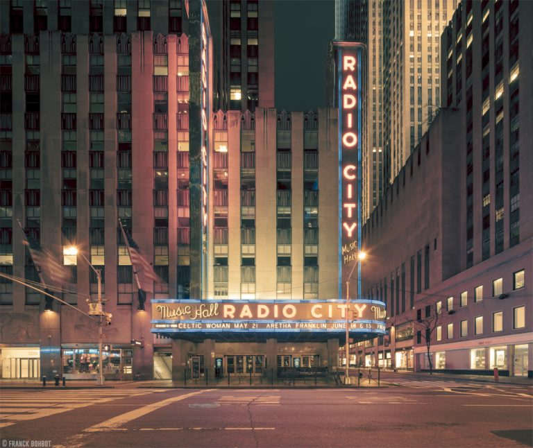 NY Light On / Franck Bohbot