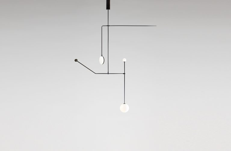 Mobile Chandelier 6 / Michael Anastassiades