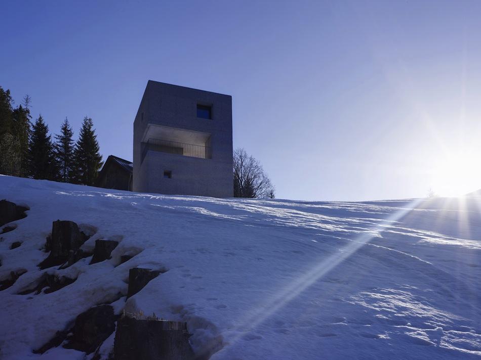 Mountain-Cabin-Marte-Marte-Architects-07.jpg