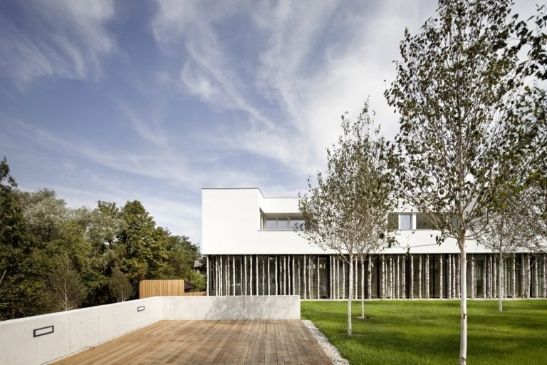 Ordination Vienna Woods / Juri Troy Architects