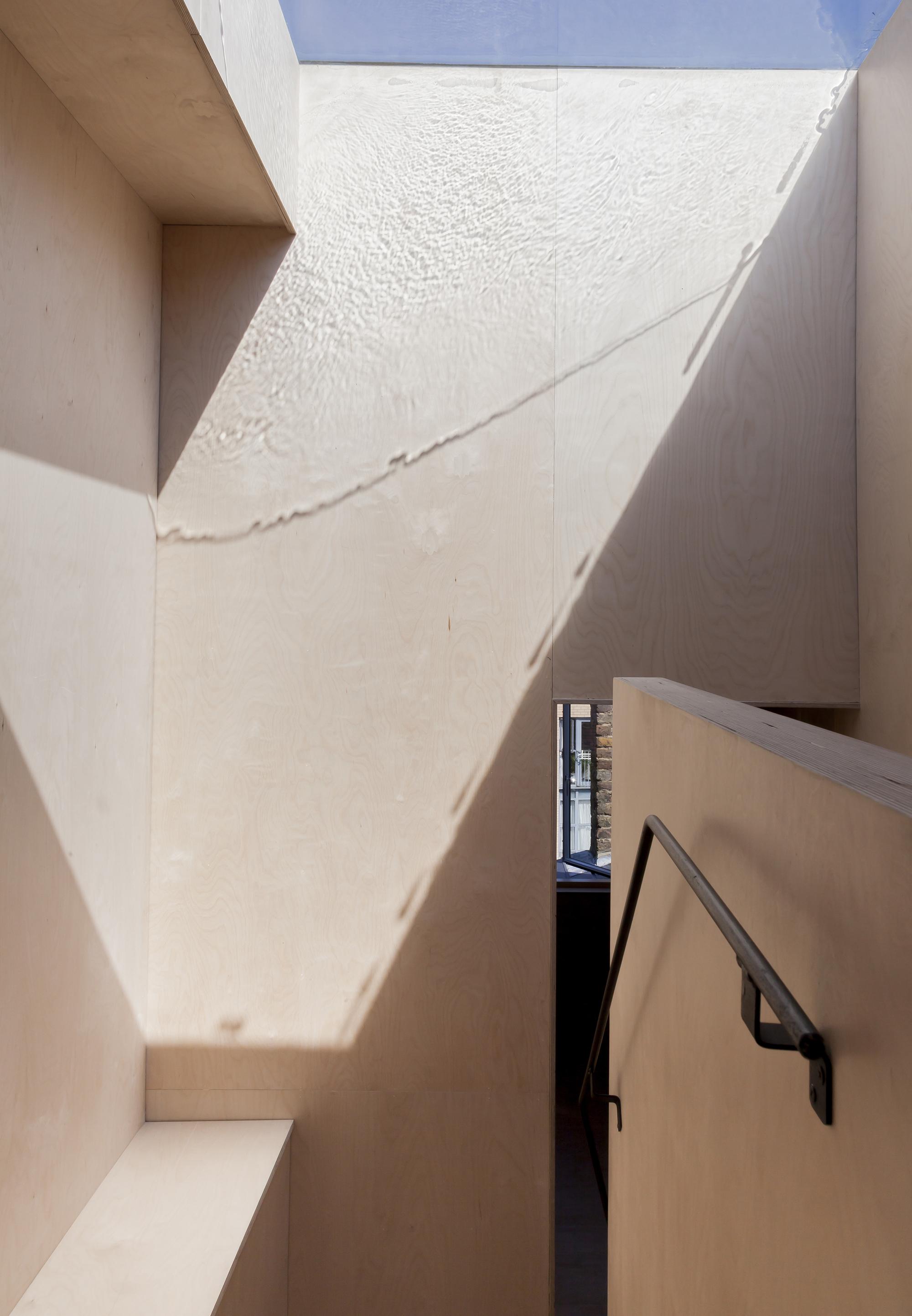Plywood_House-Simon_Astridge-20