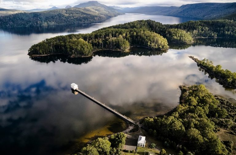 Pumphouse Point / Cumulus Studio