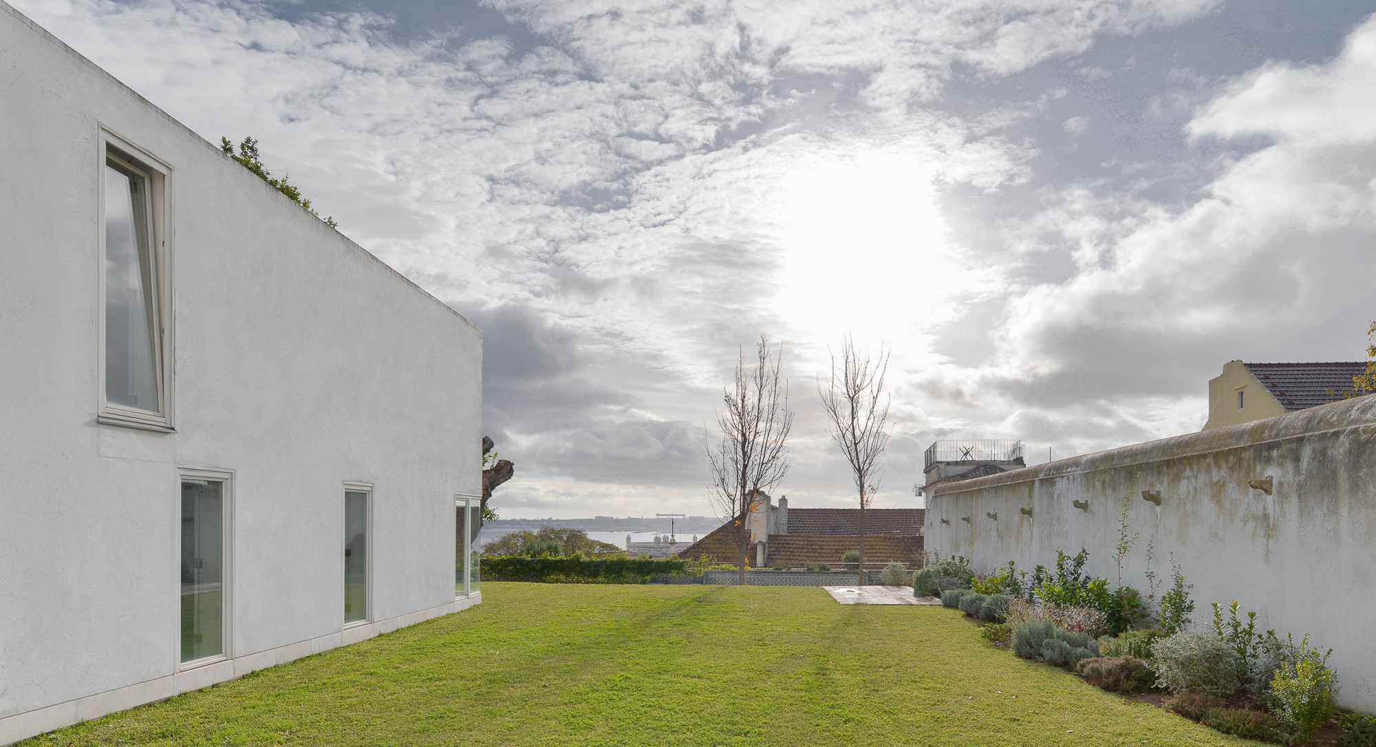S. Mamede House / Aires Mateus (4)